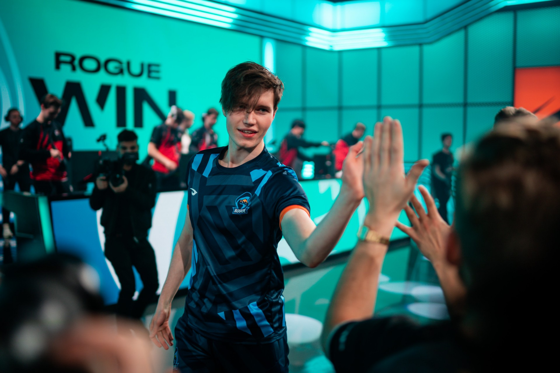 Lol Headlines Rogue Undefeated In Lec Superweek Top10 Esports